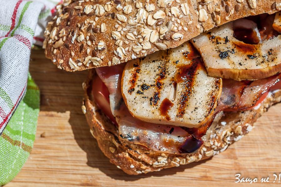 Сандвич с бекон и круша